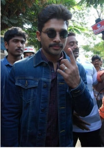 Celebs Vote for GHMC Elections