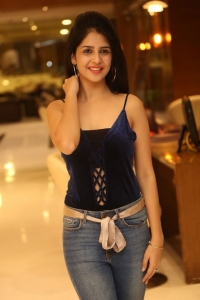 Kashish Vora Pictures