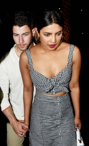 Priyanka Chopra-Nick Jonas Latest Pics.