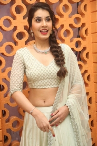 Rashi Khanna Latest Pics..
